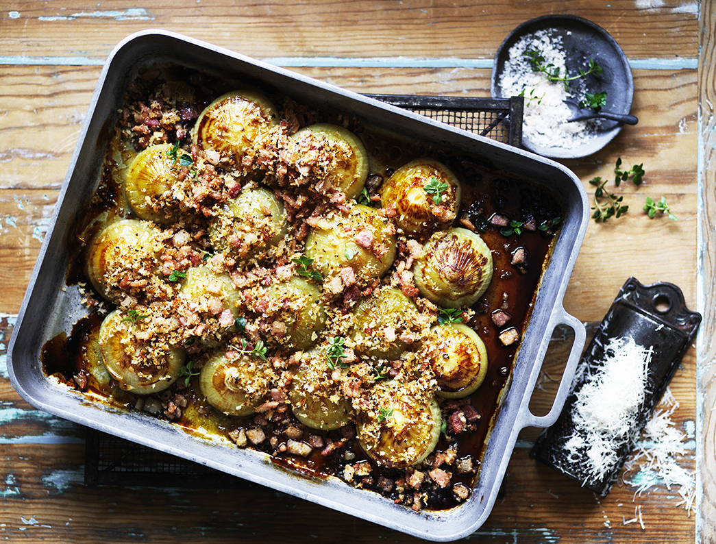 Slow roasted onions with cheesy bacon crumble